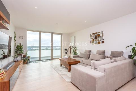 3 bedroom penthouse for sale - Liner House, 2 Royal Wharf Walk, E16