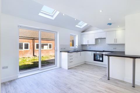3 bedroom terraced house for sale - Cedar Grove, Portsmouth, PO3