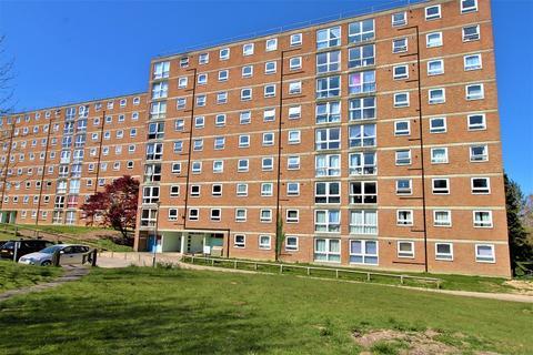 2 bedroom flat for sale - Milton Mount, Crawley, West Sussex. RH10 3DU