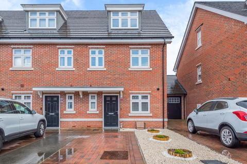 3 bedroom townhouse to rent - Earley,  Reading,  RG6