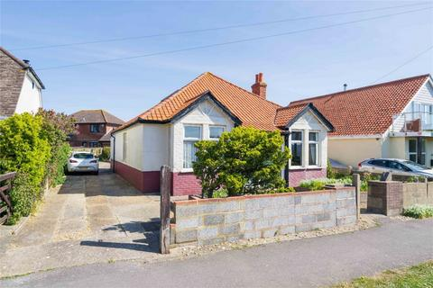 3 bedroom detached bungalow for sale - Portsmouth Road, Lee-on-the-Solent, Hampshire
