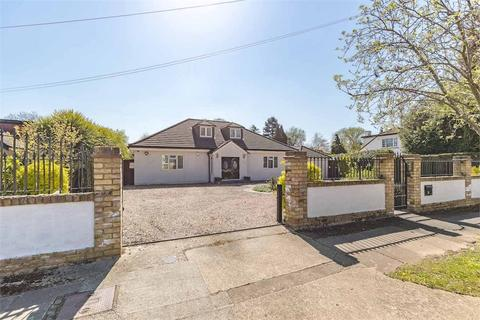 6 bedroom chalet for sale - Frays Avenue, West Drayton, Middlesex