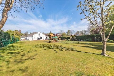 6 bedroom detached house for sale - Frays Avenue, West Drayton, Middlesex