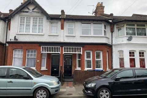 3 bedroom terraced house to rent - Winchester Road, London N9