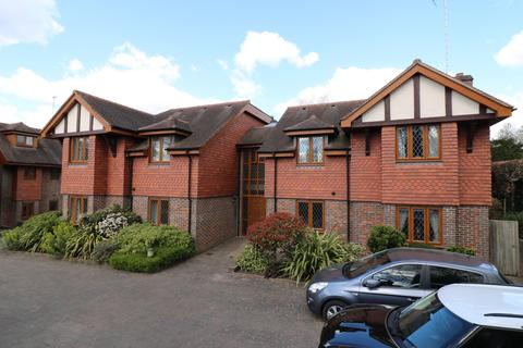 2 bedroom flat for sale - Denmans Lane, Lindfield, RH16