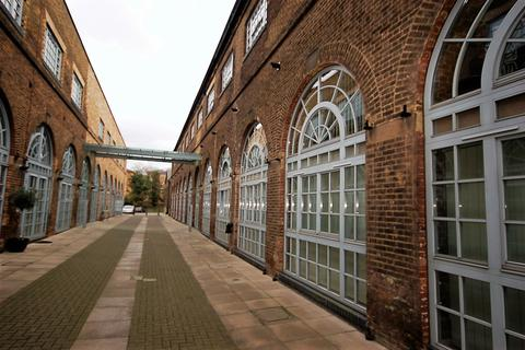 2 bedroom apartment to rent - The Rail Store, Gidea Park