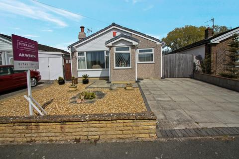 2 bedroom detached bungalow for sale - Llys Charles, Towyn