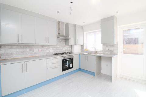 3 bedroom house share to rent - Melbourne Road E10