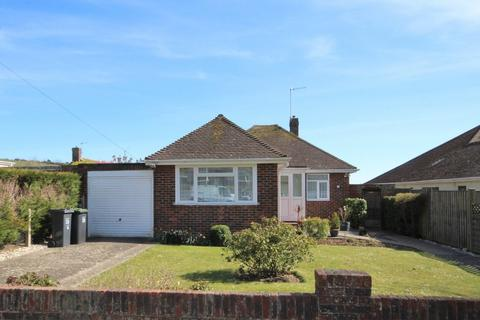 2 bedroom detached bungalow for sale - Central Avenue, Findon Valley, Worthing BN14 0EA