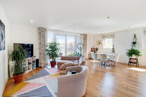 3 bedroom apartment for sale - Johnson Court, Kidbrooke, SE9