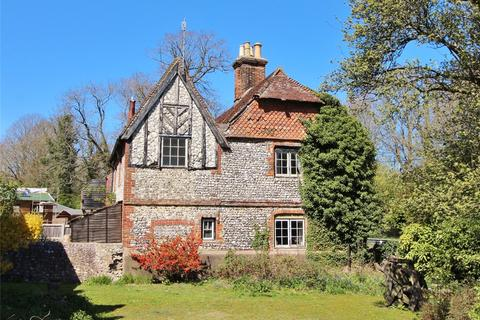 3 bedroom semi-detached house for sale - Horsham Road, North End, Findon, West Sussex, BN14