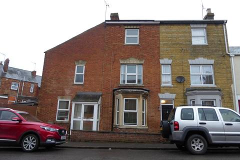 2 bedroom end of terrace house for sale - South Street