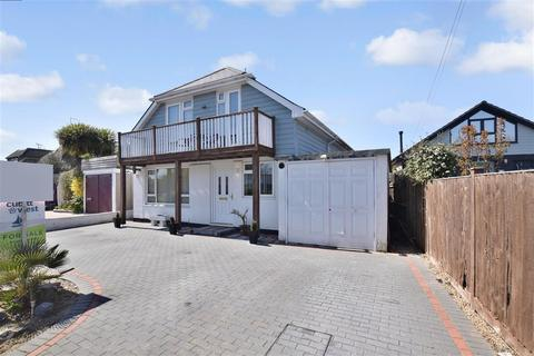 4 bedroom bungalow for sale - Sea Way, Elmer, Bognor Regis, West Sussex