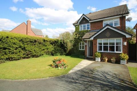 3 bedroom detached house for sale - Blyth Close, Timperley