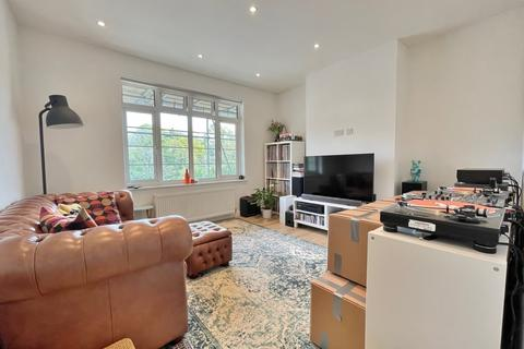 2 bedroom flat to rent - Risborough Close, Muswell Hill