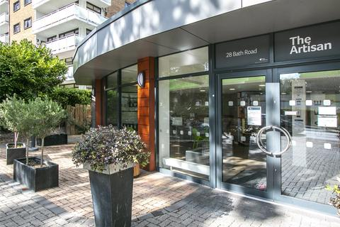 Studio to rent - Bath Road, Bournemouth, BH1