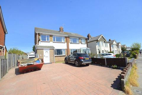 3 bedroom semi-detached house to rent - Wallisdown Road, Poole