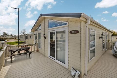 2 bedroom park home for sale - London Road, Clacton-On-Sea