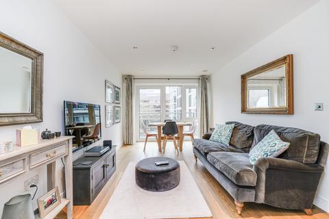 2 bedroom flat for sale - Fitzroy House, Dickens Yard, Longfield Avenue, London, W5
