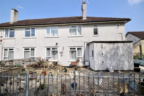 2 bedroom maisonette to rent - Akers Way, Moredon, Swindon