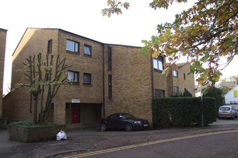 1 bedroom apartment to rent - Cross Road, Uxbridge, UB8
