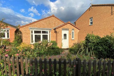2 bedroom detached bungalow for sale - Waterloo Drive, Morton, Bourne