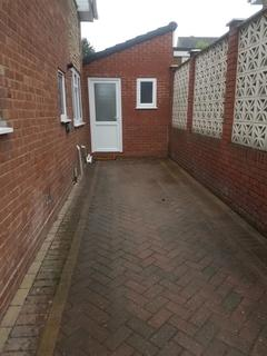 House to rent - Russells Hall Road, Dudley