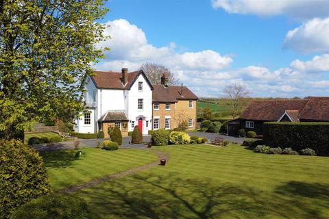 5 bedroom detached house for sale - Vicarage Lane, Chigwell