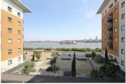 2 bedroom flat to rent - 145 Fishguard Way, London, London, E16