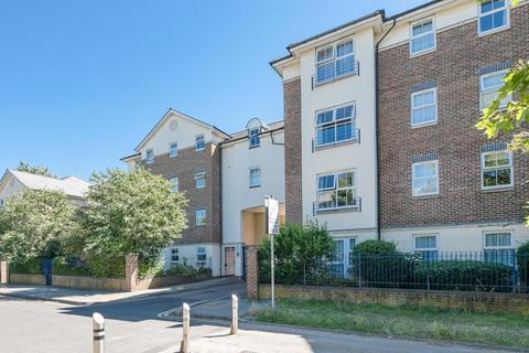 2 bedroom flat to rent - Elizabeth Court, Lower Kings Road, Kingston upon Thames, KT2