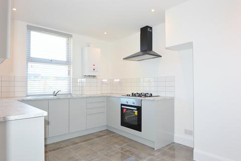 2 bedroom flat to rent - Philpot Street, Whitechapel, London E1