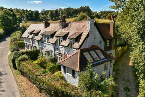 3 bedroom semi-detached house for sale - Chesham Bois,  Buckinghamshire,  HP5