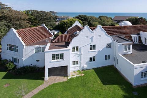 3 bedroom flat for sale - Strange Garden House, Strange Garden, Aldwick, Bognor Regis, PO21