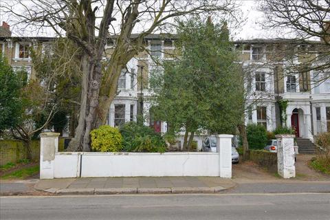 2 bedroom apartment to rent - Vanbrugh Park, London