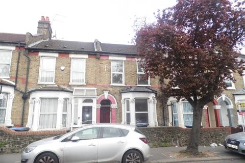 4 bedroom terraced house to rent - Pretoria Road North, London, N18