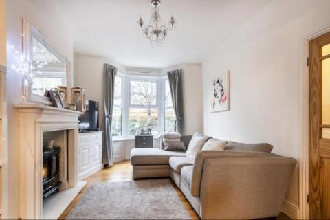 3 bedroom semi-detached house to rent - Upper Holly Hill Road Belvedere DA17