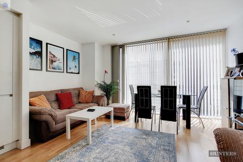 1 bedroom apartment to rent - Landmark West Tower, London