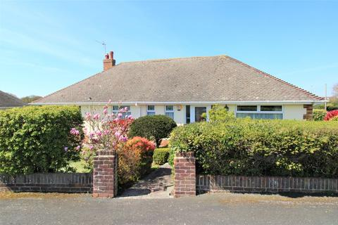 2 bedroom detached bungalow for sale - Danes Close