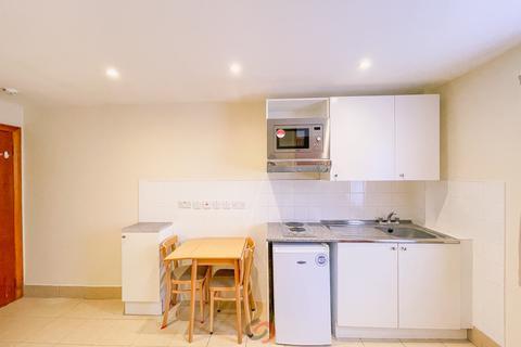 Studio to rent - Sussex Gardens, Paddington, London W2