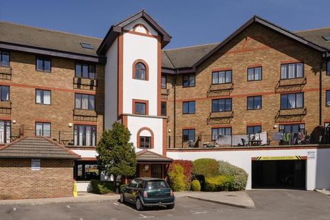 2 bedroom flat for sale - Regents Court, Kingston upon Thames, KT2