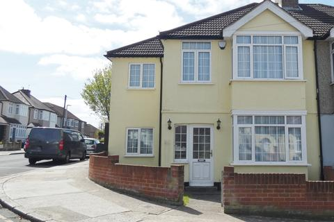 4 bedroom semi-detached house for sale - Staverton Road, Hornchurch RM11