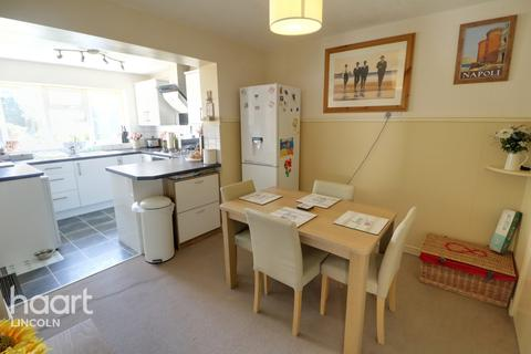 3 bedroom semi-detached house for sale - Chiltern Road, Lincoln