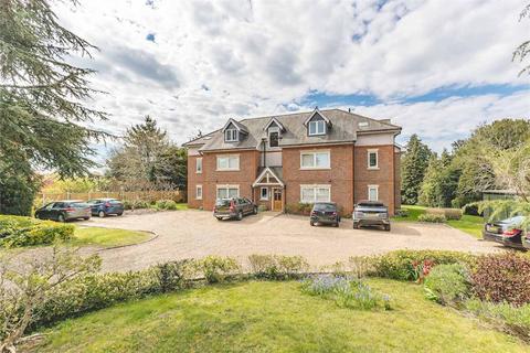 2 bedroom flat for sale - Cedar Court, 60 Lawn Close, Datchet, Berkshire