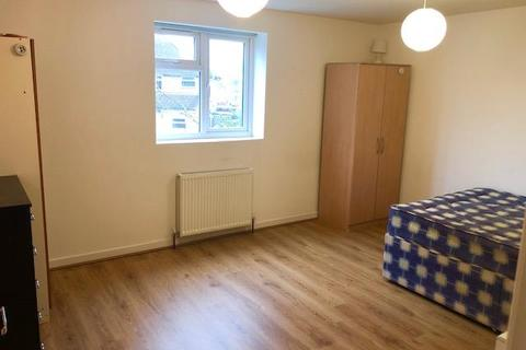1 bedroom in a house share to rent - Cowley Road,  Oxford,  OX4