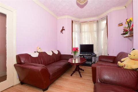 3 bedroom terraced house for sale - Courtland Road, London