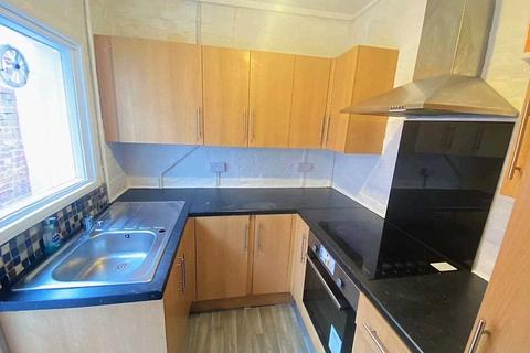 2 bedroom terraced house to rent - East Road, Enfield