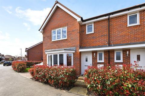 3 bedroom semi-detached house for sale - Iden Hurst, Hurstpierpoint, Hassocks, West Sussex, BN6