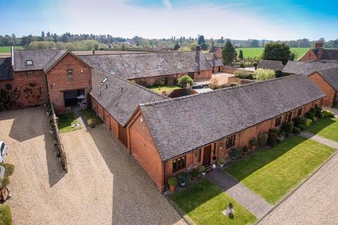 2 bedroom barn for sale - Home Farm Road, Burnhill Green, Wolverhampton