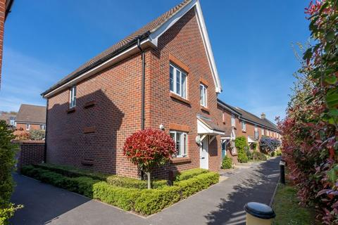 3 bedroom end of terrace house for sale - Fraser Row, Fishbourne, Chichester