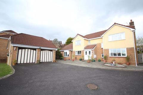 5 bedroom detached house for sale - LAWRENCE CLOSE, Norden, Rochdale OL12 7PJ